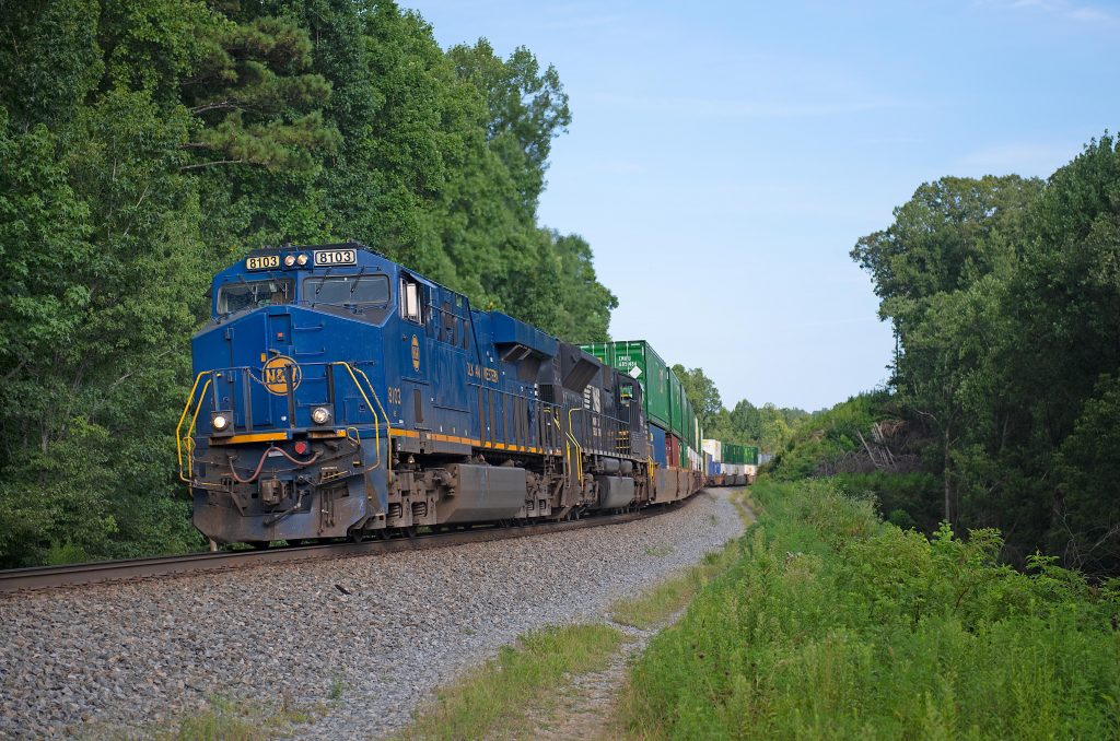 Illinois joins debate on train crew size